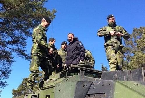 Löfven Reaffirms Commitment to Swedish Defense