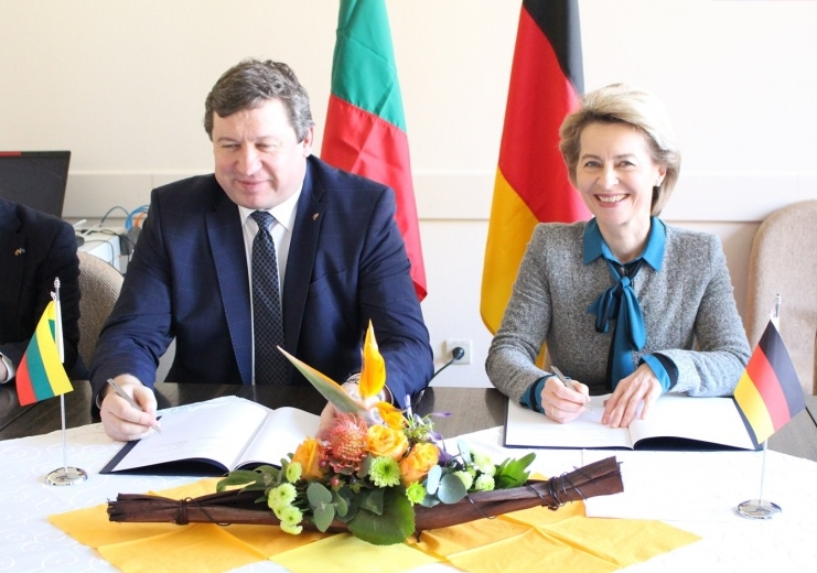 Ministers of Defence of Lithuania and Germany Signed a Protocol of Intent on Affiliation of the Iron Wolf Brigade to a German Army Division