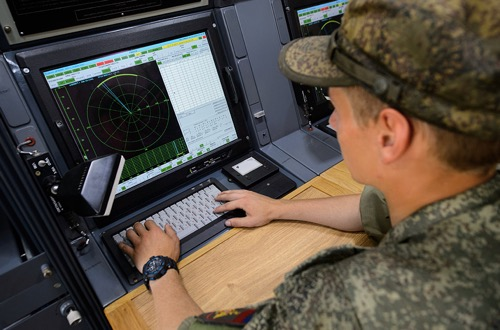 Russian Electronic Warfare Specialists Test New Method of Jamming Enemy Aircraft