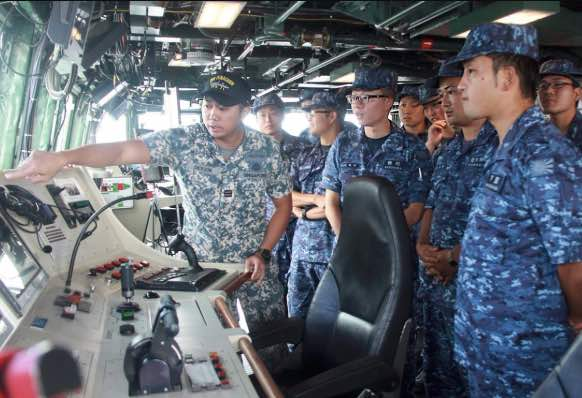 Singapore and Japan Navies Reaffirm Ties with Passage