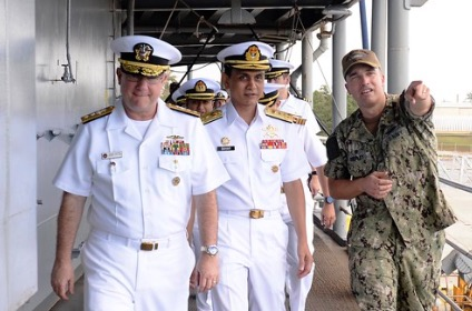 U.S., Royal Malaysian Navies Conduct Submarine Warfare Talks