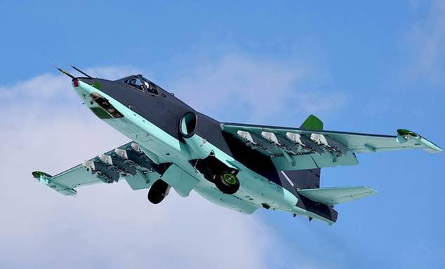 تعرف على النسخه الاحدث من مقاتلات Su-25 ..........المقاتله Su-25 SM3 Su25sm3